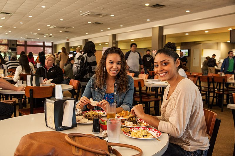 10 The Dining Hall Offers Taco Tuesday And Wing Wednesday